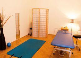 Großer Behandlungsraum für Shiatsu und Physiotherapie in der Rahlgasse Wien
