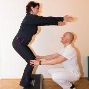Steppertraining für die Beinachsenstabilisierung mit Rumpfstabilisierung (Balance, Koordination, Stabilisation)